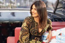 Cantik, Priyanka Chopra dalam Balutan Mini Dress Kreasi Dior