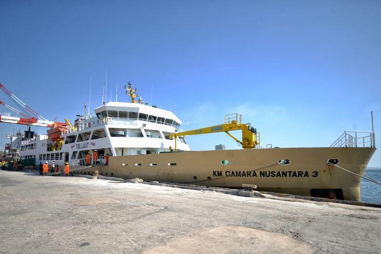Kapal Tol Laut di  Pelabuhan Tenau, Kupang, NTT, Rabu (21/8/2019).