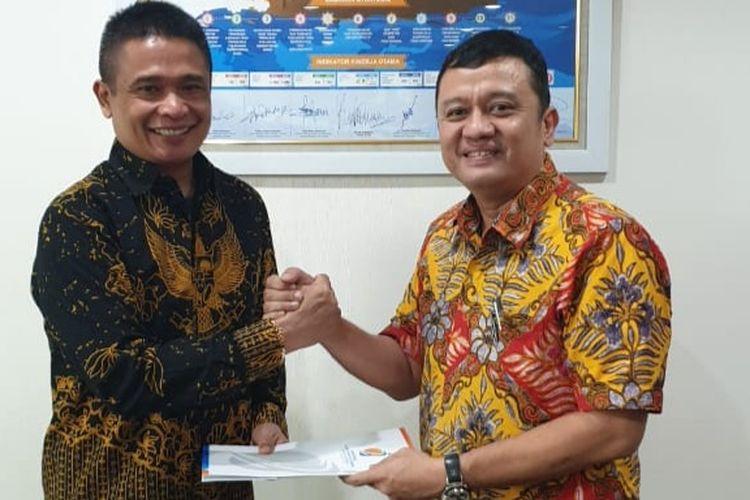 Serah terima jabatan Direktur Utama Pelindo I kepada Dian Rachmawan (kiri).