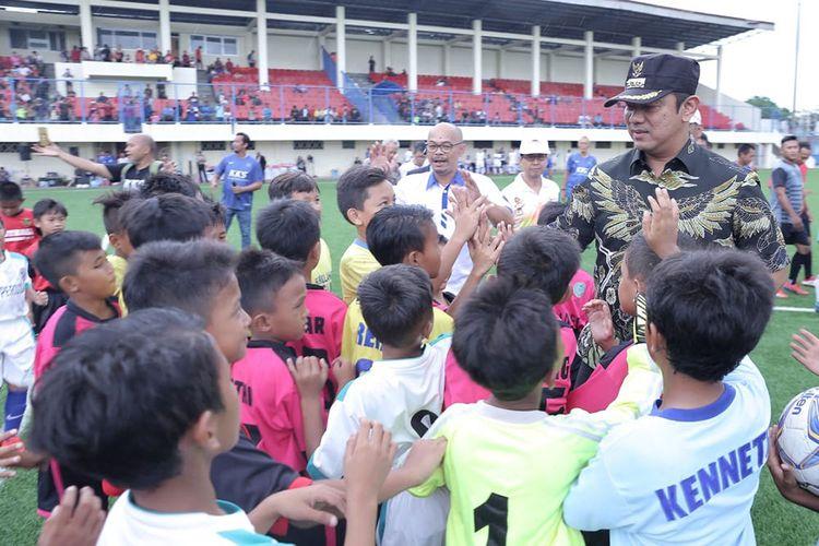 Wali Kota Semarang Hendrar Prihadi membuka turnamen sepak bola KKS Piala Wali Kota 2020.