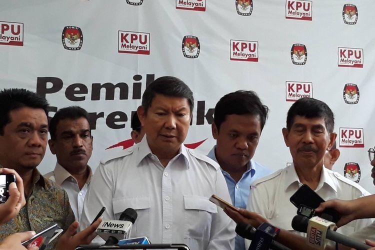 Badan Pemenangan Nasional (BPN) Prabowo-Sandiaga mendatangi kantor KPU, Menteng, Jakarta Pusat, Senin (11/3/2019).