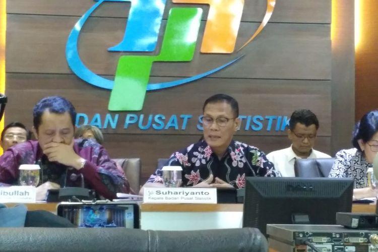 Jajaran pimpinan BPS saat memaparkan perkembangan inflasi Juli 2018 di kantor BPS, Jakarta, Rabu (1/8/2018).