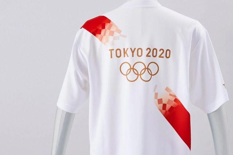 T-shirt yang akan dikenakan oleh pembawa obor di Olimpiade Tokyo 2020. Bahannya terbut dari botol plastik yang didaur ulang.