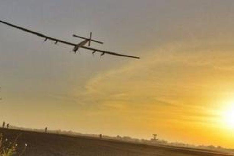 Solar Impulse bertolak dari Ahmedabad tatkala pagi mulai pecah.