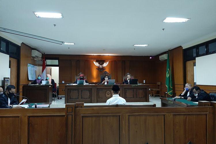 Terdakwa IYA saat mengikuti persidangan di Pengadilan Negeri (PN) Sleman dengan agenda pembacaan tuntutan dari Jaksa Penuntut Umum (JPU)