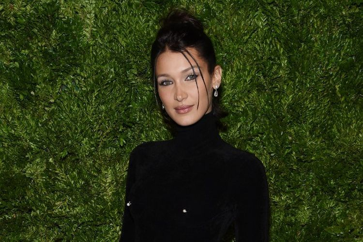 Model Bella Hadid menghadiri CFDA / Vogue Fashion Fund 2019 Awards di Cipriani South Street, New York City, pada 4 November 2019.