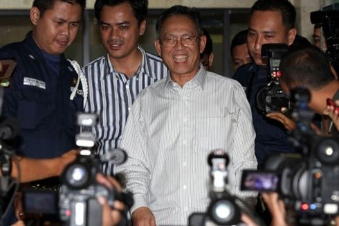 KPK Tahan Wali Kota Bandung Dada Rosada