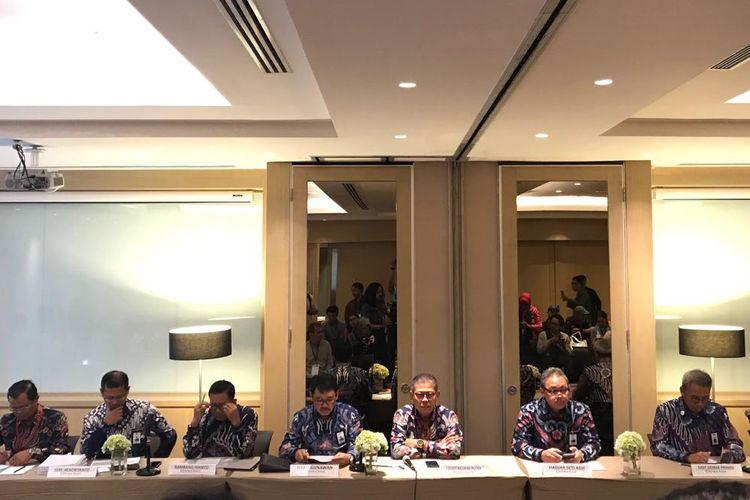 Direksi PT Waskita Karya saat menggelar konferensi pers di Jakarta, Kamis (9/5/2019).