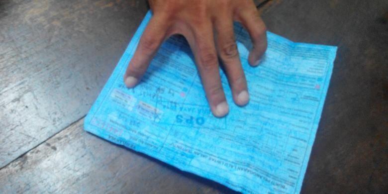 Pelanggar lalu lintas yang mendapatkan surat tilang biru tidak dapat mengurus sidang tilang di Pengadilan Negeri Jakarta Pusat, Jumat (5/12/2014).