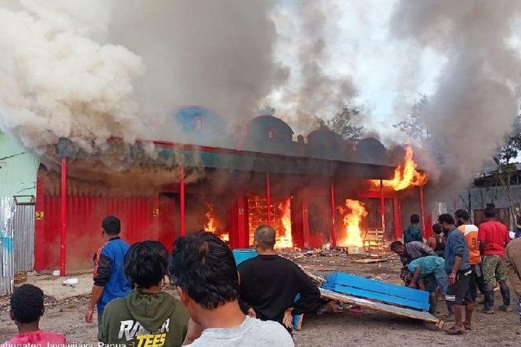 Enam ruko di Phikei Wamena, Kabupaten Jayawijaya, ludes terbakar, Kamis (22/4/2021).