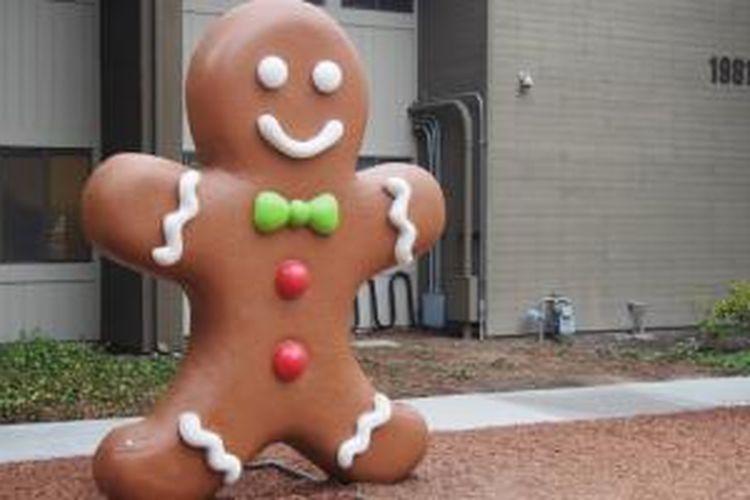 Patung kue jahe ini, seperti namanya, melambangkan Android Gingerbread yang dirilis Google pada Desember 2010 silam