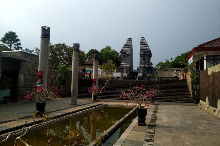 Suasana kompleks Makam Bung Karno di Kelurahan Bendogerit, Kota Blitar, Minggu (2/5/2021)