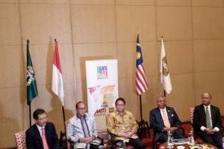Acara Forum ehalal.com antara Kamar Dagang Indonesia dan  Halal Industry Development Corporation Malaysia di Jakarta, Senin (1/8/2016).