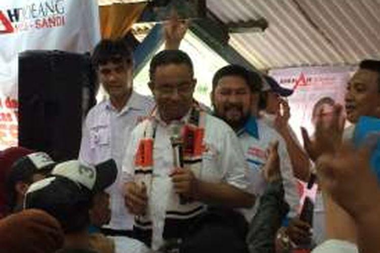 Cagub DKI Jakarta, Anies Baswedan di Jalan Cipinang Jagal, Jakarta Timur, Minggu (15/1/2017).