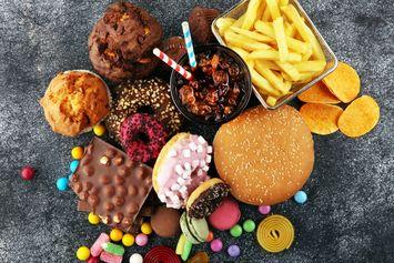 6 Pantangan Makanan Setelah Sunat
