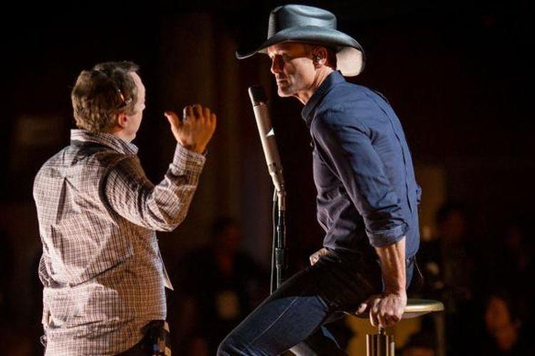 Penyanyi dan aktor Tim McGraw menjalani latihan di panggung Dolby Theatre, Hollywood, California, AS, Jumat (20/2/2015) waktu setempat, menjelang pergelaran Academy Awards atau Oscar 2015 di tempat yang sama pada Minggu (22/2/2015) waktu setempat.