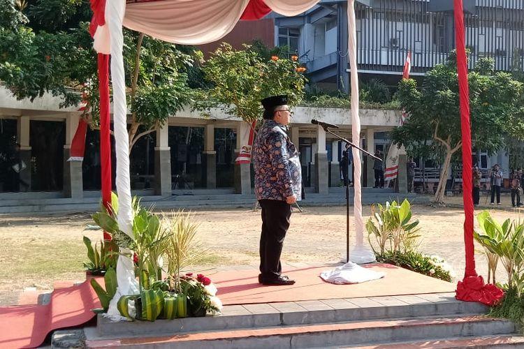 Menristek Bambang Brodjonegoro saat menjadi pembina upacara dalam Hari Pahlawan di ITS Surabaya (10/11/2019).