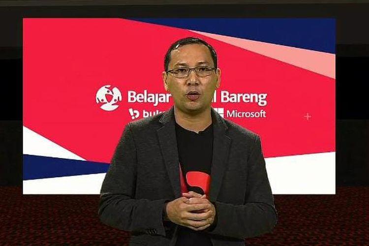 CEO Bukalapak, Rachmat Kaimuddin dalam acara peluncuran Belajar Digital Bareng Microsoft dan Bukalapak yang disiarkan secara virtual, Senin (8/3/2021). (Tangkapan layar).
