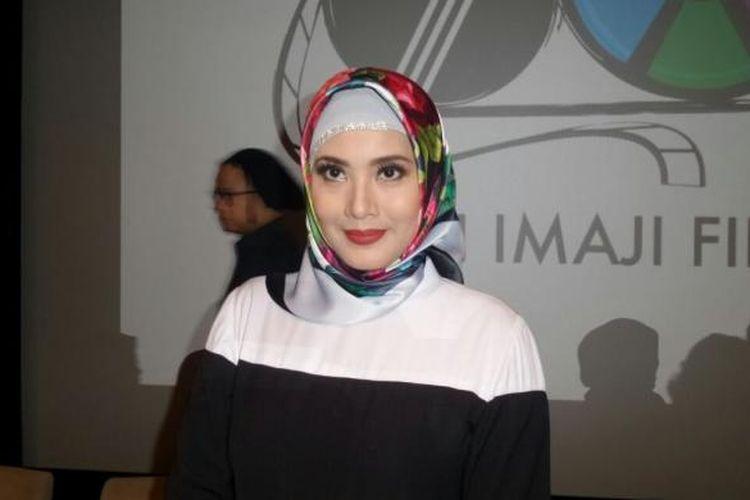 Elma Theana diabadikan di XXI Lounge Plaza Indonesia, Thamrin, Jakarta Pusat, Jumat (24/2/2017).