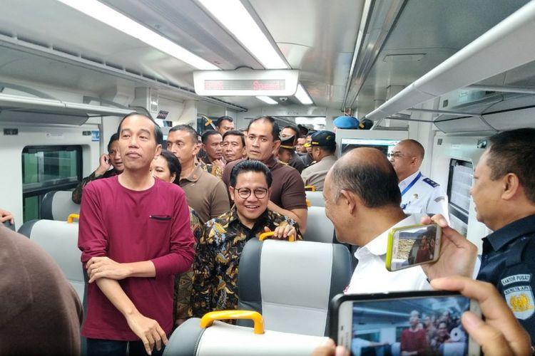 Presiden Jokowi menjajal kereta Bandara Soekarno-Hatta di Tangerang, Selasa (2/1/2018).