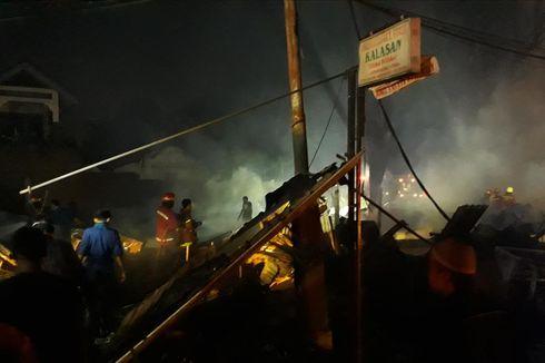 Kebakaran Landa Kios di Sekitar Lapangan Multiguna Bekasi