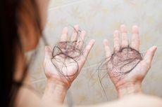Masalah Rambut Rontok: Penyebab, Sampo, dan Perawatannya