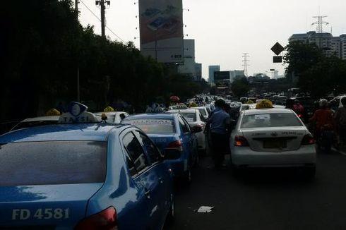 Curhat Supir Taksi Anti-Demo,