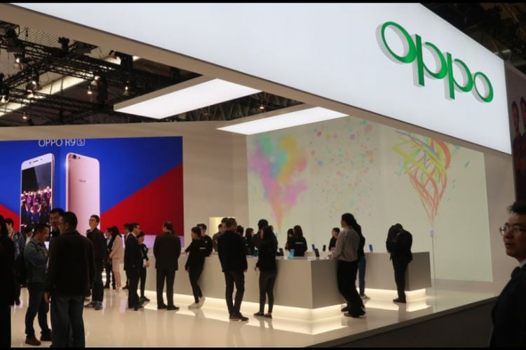 Booth Oppo
