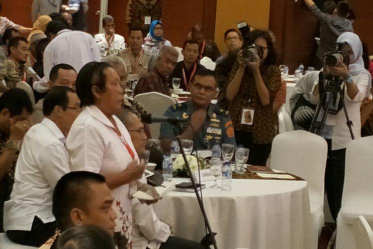 Korban Bom Bali I Chusnul Hotimah saat berbicara dalam acara pertemuan eks narapidana terorisme dengan korban terorisme di Hotel Borobudur, Jakarta, Rabu (28/2/2018)