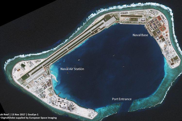 Beijing telah membuka pangkalan militer besar di sebuah pulau benteng yang menjadi sengketa di wilayah strategis seiring meningkatnya konflik di Laut China Selatan.