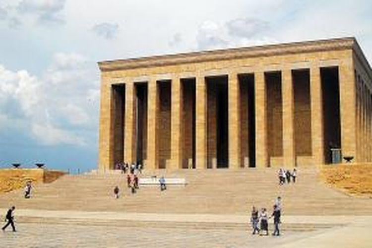Musoleum Kemal Attaturk di Ankara, presiden pertama Turki modern setelah memproklamirkan berdirinya tahun 1923.