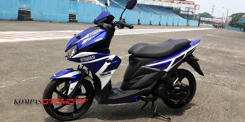 Yamaha Aerox modifikasi versi livery tim balap Yamaha Indonesia.