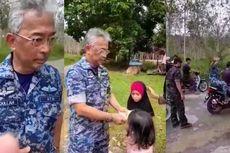Video Viral Raja Malaysia Kunjungi Korban Banjir Sambil Naik Sepeda Motor