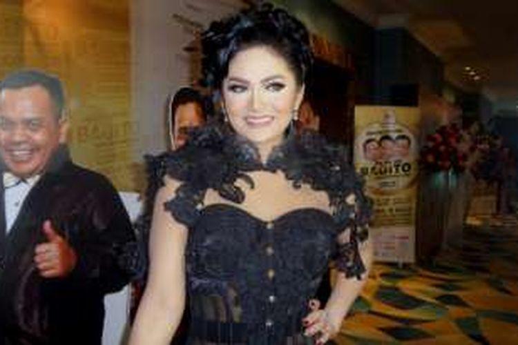 Krisdayanti diabadikan di sela acara syukuran reuni Bagito Return: Everlasting Memories Reunion, di The Hall Senayan City, Jakarta Pusat, Rabu (2/11/2016) malam.