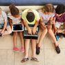 Anak Mengeluh Nyeri Punggung? Lakukan 5 Cara Ini Saat Anak Main Gadget