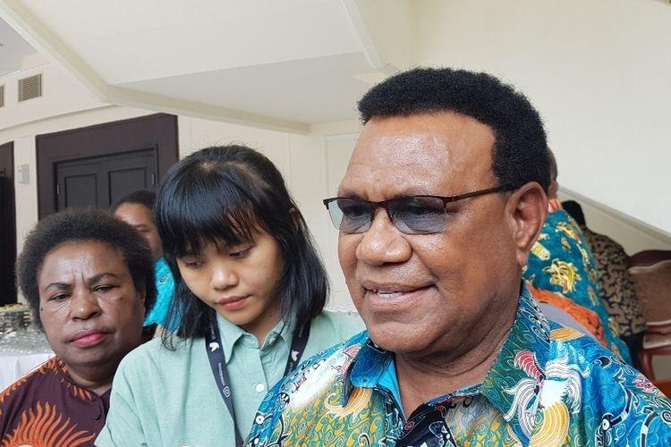 Ketua Pokja Adat Majelis Rakyat Papua, Demas Tokoro, usai bertemu dengan Wakil Presiden Maruf Amin di Istana Wapres, Kamis (27/11/2019).