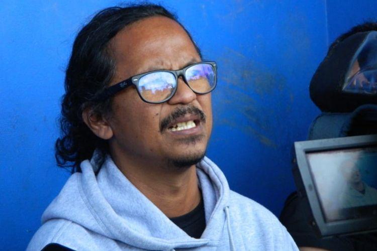 Ketua Viking Persib Club, Heru Joko saat diwawancarai media di Stadion Sidolig beberapa waktu lalu.