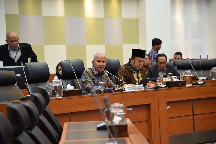 Ketua Banggar DPR RI M Said Abdullah sharing informasi Banggar DPR RI kepada Menteri Keunangan dan Gubernur Bank Indonesia melalui telekonferensi.