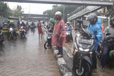 Banjir di Jalan DI Panjaitan, Sejumlah Motor Mogok