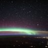 ISS Abadikan Momen 2 Fenomena Cantik dari Bumi dalam Satu Gambar