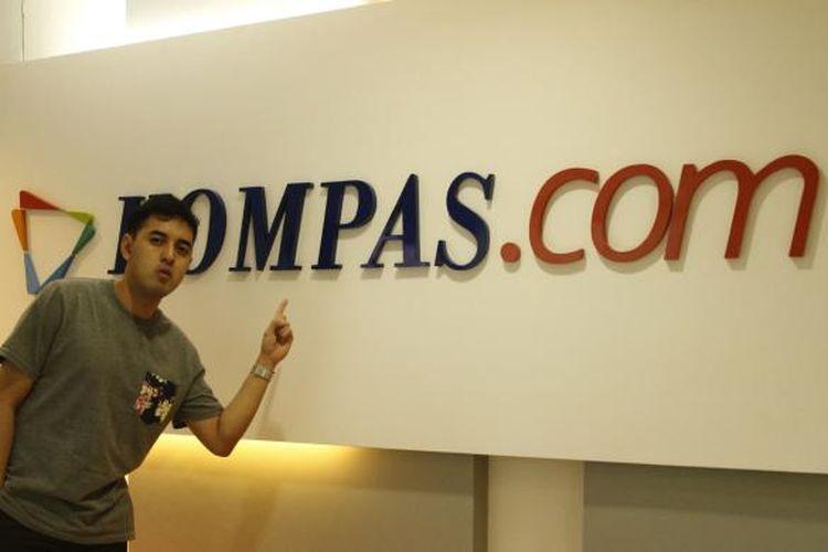 Kemal Palevi diabadikan saat berkunjung ke redaksi Kompas.com, Palmerah Selatan, Jakarta Pusat, Rabu (2/3/2016). Kunjungan Kemal kali ini dalam rangka promo film Abdullah v Takeshi yang diproduksinya.