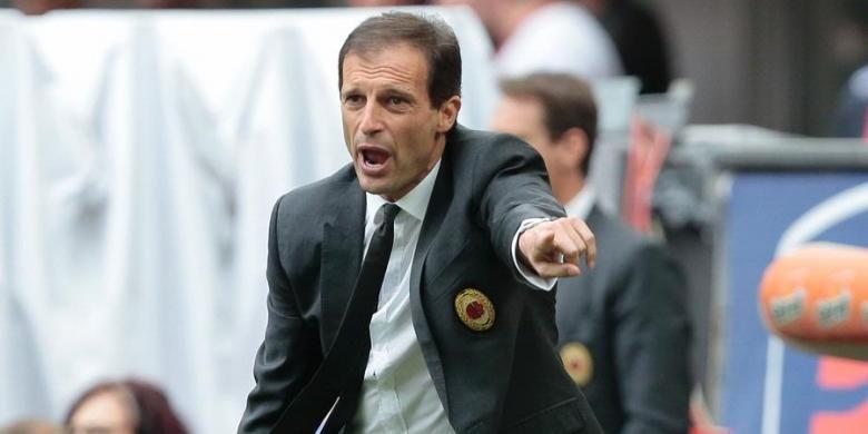Reaksi Massimiliano Allegri saat masih menjadi pelatih AC Milan.