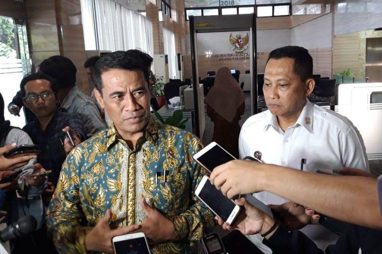 Menteri Pertanian Amran Sulaiman dan Direktur Utama Bulog Budi Waseso di kantor Kementerian Koordinator Bidang Perekonominaan (Kemenko Perekonomian) Jakarta, Selasa (22/1/2019).