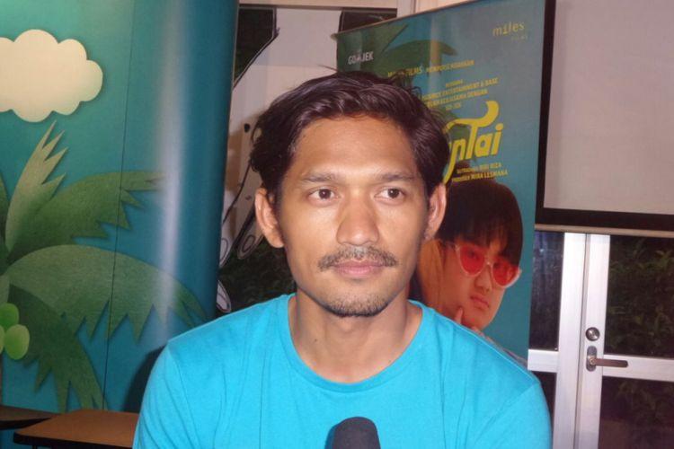 Ibnu Jamil menghadiri acara syukuran menjelang proses shooting film Kulari ke Pantai di Kopi 89, Kemang Raya, Jakarta Selatan, Rabu (7/3/2018).