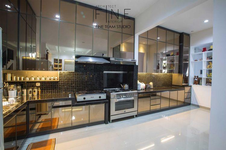 Dapur minimalis Pondok Hijau Golf Residence di Tangerang karya Fine Team Studio