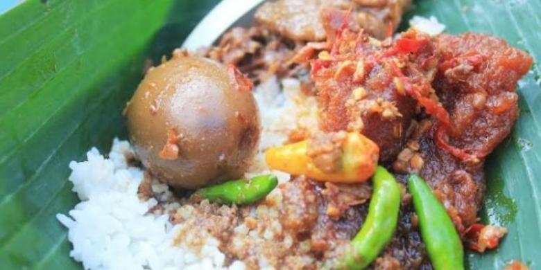 Gudeg olahan Mbah Lindu, Yogyakarta