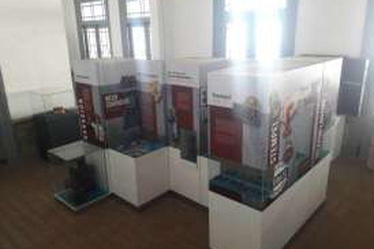 Ruang Koleksi Museum Stasiun Kereta Api Bondowoso, Jawa Timur. Museum Kereta Api Stasiun Bondowoso merupaka museum kereta api pertama di Jawa Timur.