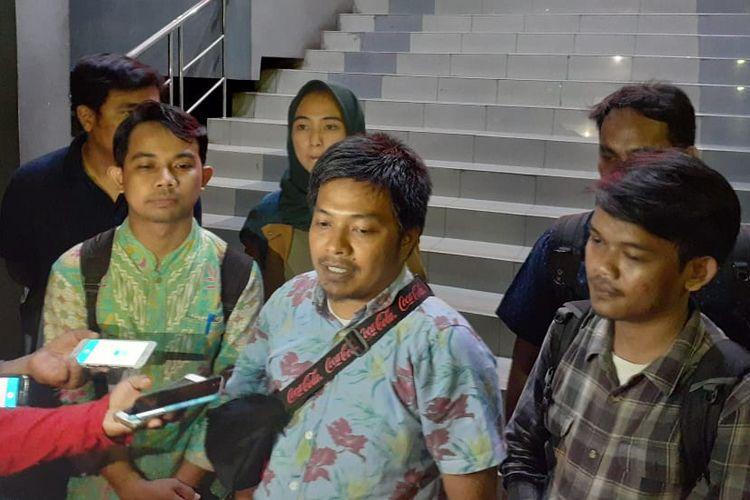 Direktur Eksekutif Lembaga Bantuan Hukum (LBH) Pers Ade Wahyudin di Polda Metro Jaya, Jakarta Selatan, Jumat (4/10/2019).