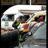 Viral, Angkot Tabrak Polisi Sampai Terseret 5 Meter dan Bergelantungan di Kaca Depan