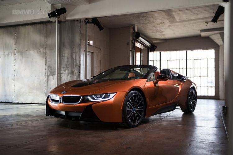 BMW i8 Roadster yang akan dijual di Indonesia tahun ini.